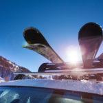 Najlepsze sposoby na przewóz nart w samochodzie