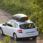 Jazda z boxem dachowym - jak to robić, by było bezpiecznie i komfortowo?