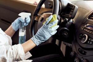 Dezynfekcja samochodu i bagażnika w czasie epidemii COVID-19