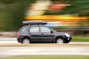 Ile może wystawać bagażnik dachowy? Aktualne przepisy