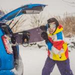 Deska snowboardowa na mieści się w samochodzie. Jak bezpiecznie przewieźć snowboard?