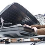 Pakowanie bagaży do bagażnika dachowego
