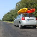 Kajaki na dachu samochodu